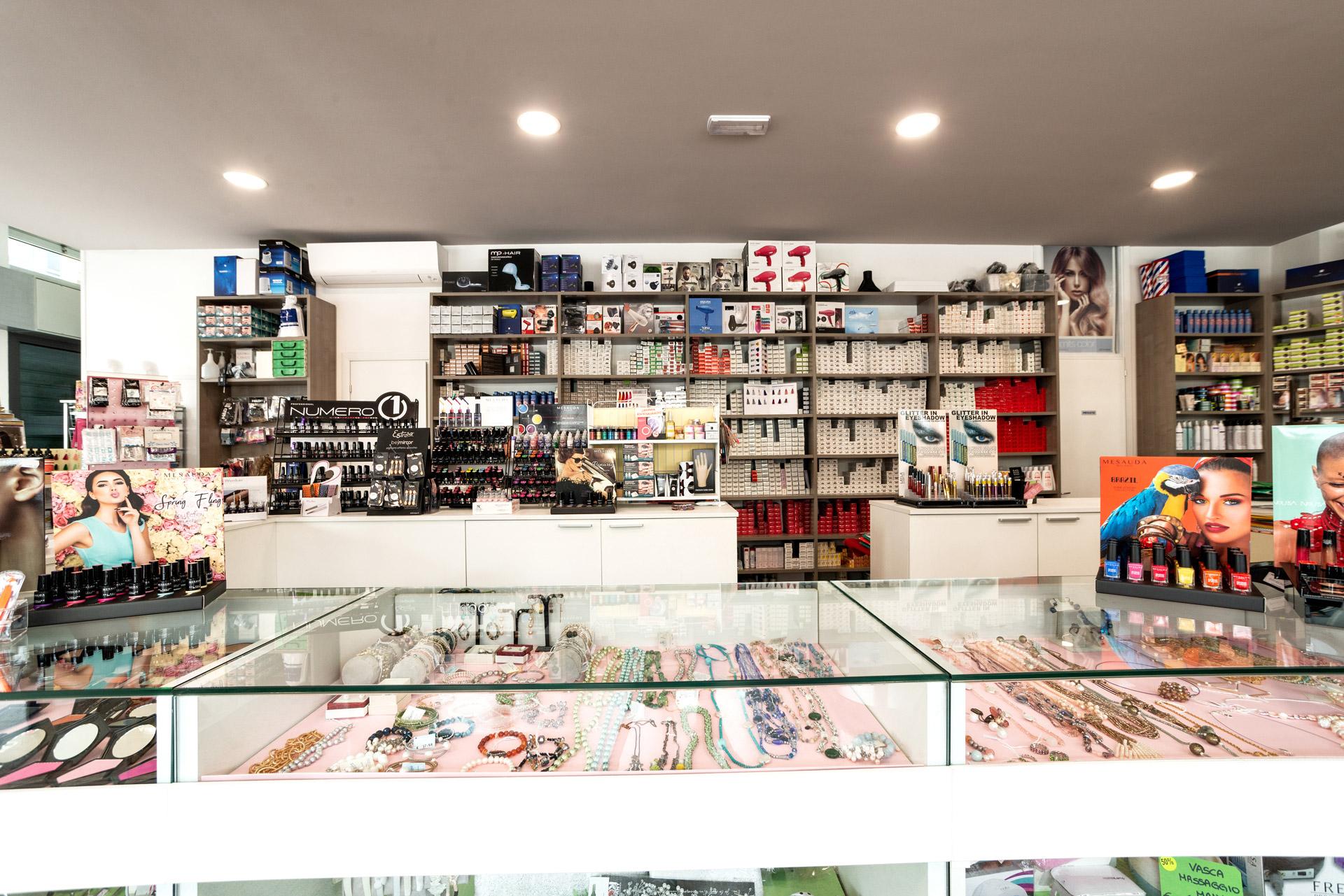 negozio-prodotti-cura-corpo-estetica